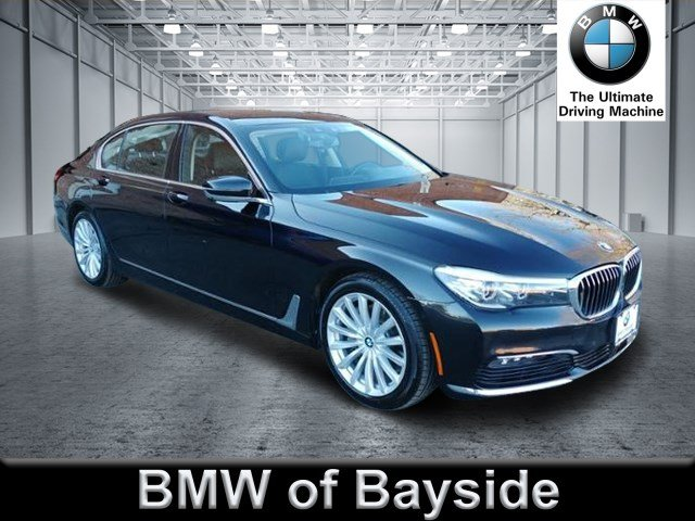 2018 BMW 7 Series 740i xDrive With Navigation & AWD UB08586L