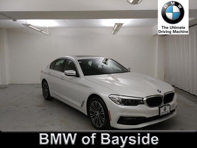 2018 BMW 5 Series 530e xDrive iPerformance With Navigation & AWD UB08606L
